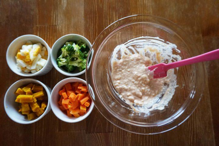 サラダご飯作り方ソース混ぜる